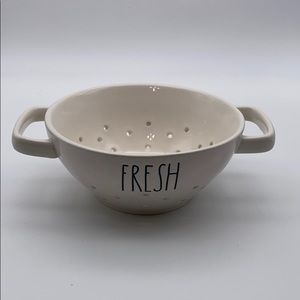 Rae Dunn Small Fresh Colander.